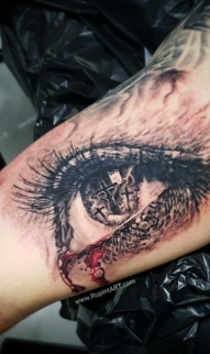 Crucifix in eye